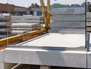 De balkons, sandwich borstweringen en kaderelementen worden aan de zichtzijde uitgevoerd in esthetisch beton.