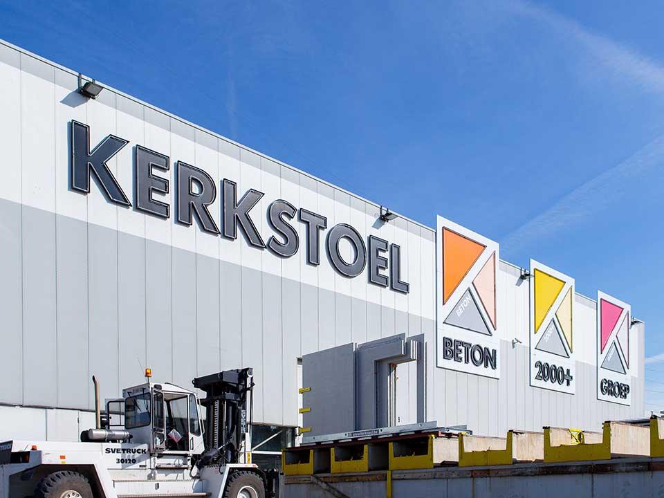 Kerkstoel-Outside-medium-size-1085
